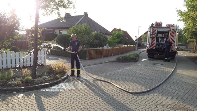 Feuerwehr-Hilfe für Bäume bei brütender Hitze