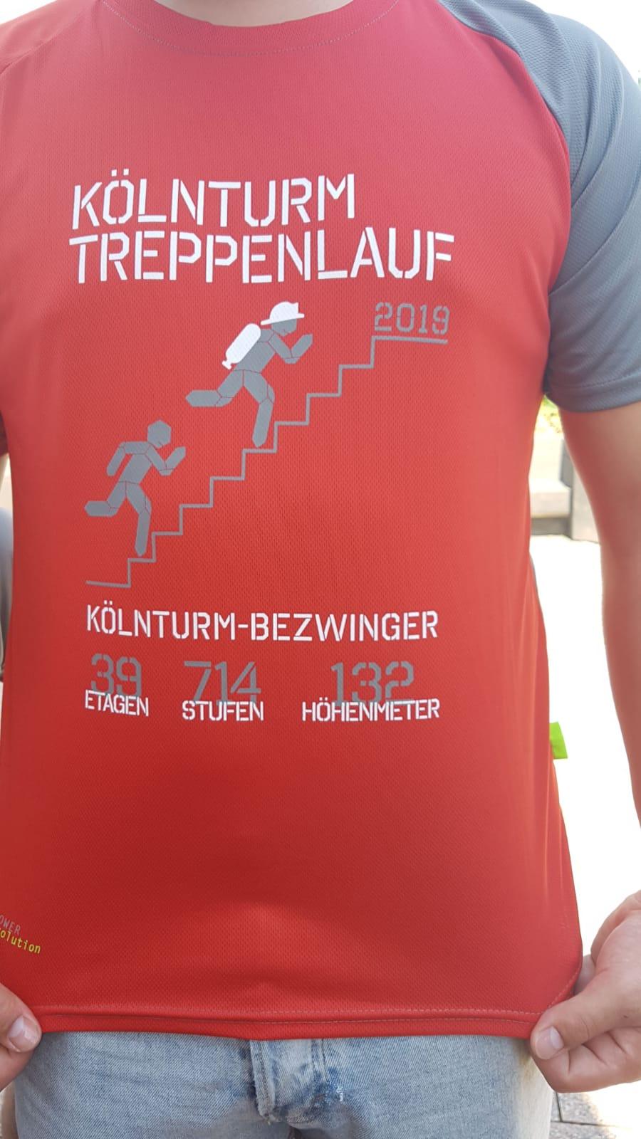 Erfolgreiche Teilnahme beim KölnTurmlauf