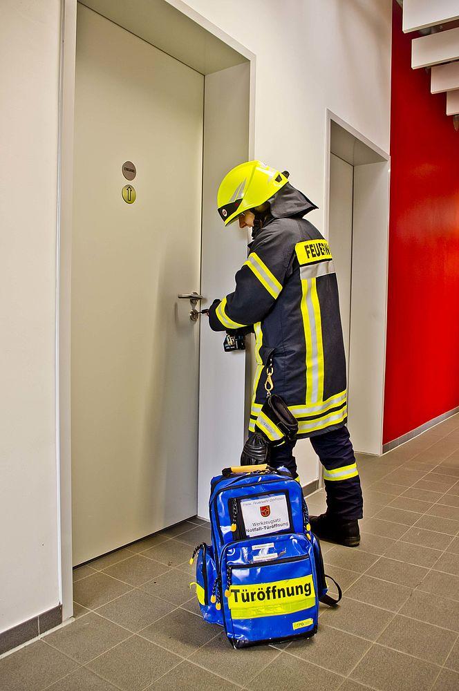 Rettungsdienst aus einer Notlage befreit